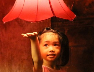 lantern-and-girl-close-700