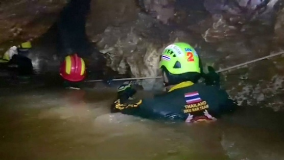 cave-divers